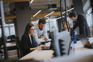 business-people-modern-office